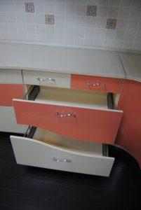 розовая кухня ящик