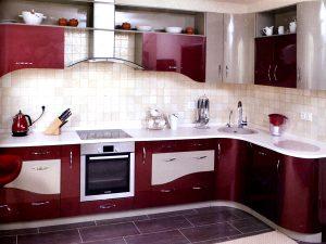 бордовая кухня глянец
