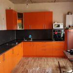 кухня оранжевая