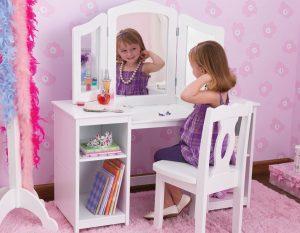 детский туалетный столик с зеркалом