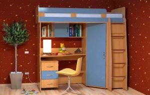 кровать-чердак с лестницей и столом