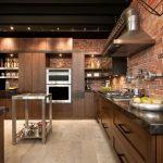 коричневая угловая кухня в стиле лофт