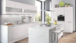 кухня глянец белая