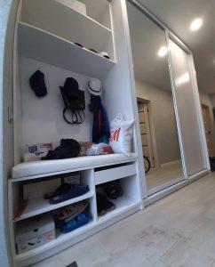 шкаф купе в прихожей с зеркалом