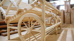 торговые стеллажи из массиа дерева